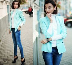 Love the simplicity of the outfit but the color brings pop