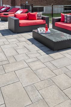 A thinner option for your backyard, the Zuko Grande slab harmonizes perfectly with today's trends! Outdoor Rooms, Outdoor Decor, Modern Backyard, Stamped Concrete, Zuko, Travertine, Outdoor Projects, Oasis, Porch