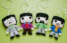 Beatles de feltro para um móbile <3