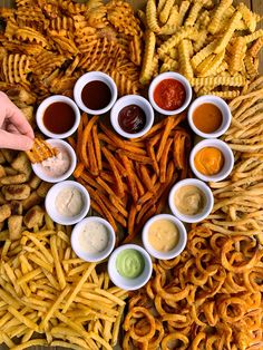 How to Make a French Fry Board! Easy Recipe by I Love Food, Good Food, Yummy Food, Charcuterie Recipes, Party Food Platters, Food Goals, Aesthetic Food, Food Cravings, Food Truck