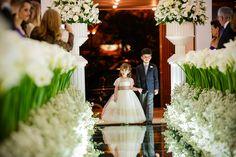 Dama de honra | Pajem | Cerimônia | Decoração da cerimônia | Decor da igreja | Casamento | Wedding | Inesquecível Casamento | Daminha