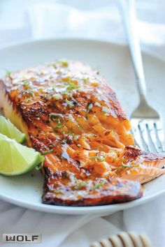 salmon recipes Honey Glazed Salmon - The easiest, most flavorful salmon you will ever make. And that browned butter lime sauce is to die for! Fish Recipes, Seafood Recipes, Great Recipes, Dinner Recipes, Cooking Recipes, Healthy Recipes, Recipes For Salmon Filets, Recipies, Fish Dishes