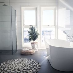 Bathroom . . . . . . #architecture #design #architect #interiordesign #interiors #interior #luxury #decor #homedecor #luxurylifestyle #goals #inspiration #housegoals #interiordesigner #luxurylife #gorgeoushome #realestate #skandinaviskehjem #skandinaviskehem #dreamhome #lifegoals #bathroom #bathroomdesign #bathroomremodel #exotic #view