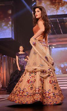 Katrina Kaif Fashion: October 2013