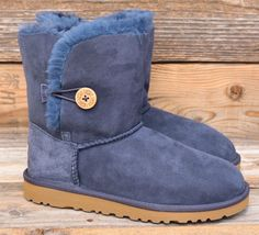 UGG Australia Big Kids Bailey Button Navy Blue Short Classic Boots US 5 Womens 7