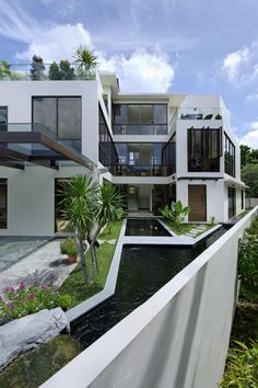 Jalan Paras house in Singapore by Wilfred Cheah