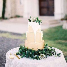 Gorgeous cake for a Baylor wedding!