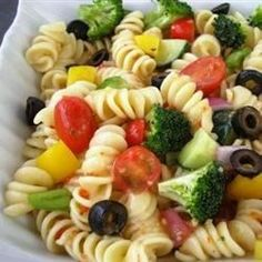 """Rainbow Rotini Salad I """"This is a very easy and tasty pasta salad! I loved the colors of all the fresh veggies. I used yellow pepper instead of green (all I had!) and grape tomatoes instead of whole ones. Think Food, I Love Food, Good Food, Yummy Food, Awesome Food, Pasta Recipes, Cooking Recipes, Healthy Recipes, Salad Recipes"""