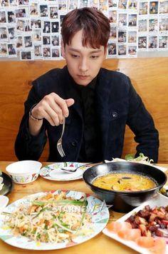 Drama, Korean Babies, Handsome Boys, Korean Actors, Ethnic Recipes, Food, Actor, Pretty Boys, Cute Boys