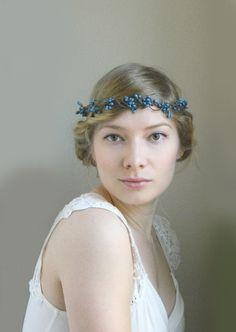 Свадебный ободок с синими цветами