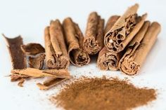 Ceylon Cinnamon Difference - Are you looking for one of the herbs that currently has miraculous benefits for health and beauty? If the answer is yes, then Ceylon cinnamon is the herb y Pudding In A Mug, Remedies For Menstrual Cramps, Cramp Remedies, Cinnamon Health Benefits, Tea Benefits, Ceylon Cinnamon, Cinnamon Tea, Ground Cinnamon, Healthy Foods