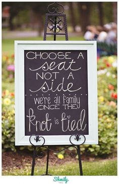 DIY Wedding Signs | Outdoor Wedding Ideas | Chalk Board DIY wedding ceremony family