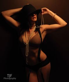TJF Photography - Indianapolis & Pur | The Company - Vintage Boudoir.