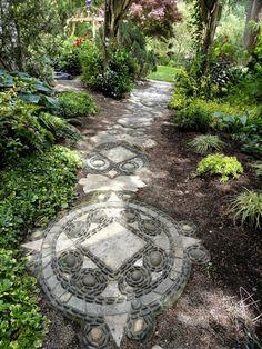 allées-jardin-originale-mosaique-motifs-losanges