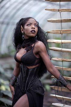 Model Theresa Theresa Photo Nina Nusinam Gothic and Amazing Afro Punk, Black Women Art, Beautiful Black Women, Dark Beauty, Gothic Beauty, Darkness Girl, Estilo Dark, Black Goth, Dark Elf
