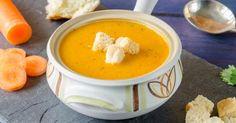 Recette de Soupe surprise light de carottes, poires et oignons. Facile et rapide à réaliser, goûteuse et diététique.