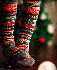 What an adorable Christmas time picture with beautiful cosy winter socks Cozy Christmas, Little Christmas, Country Christmas, All Things Christmas, Christmas Holidays, Christmas Tights, Holiday Socks, Christmas Stockings, Christmas Morning