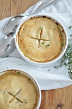 Chicken Pot Pie for Two || This delicious chicken pot pie is perfect for a cozy Sunday Supper or date night in! Clickthrough for the full recipe and pin for later!