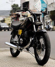 Yamaha Motorcycles, Cars And Motorcycles, King, Vehicles, Motor Sport, Bikers, Instagram, Logos, Design