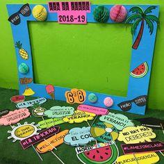 "597 Me gusta, 11 comentarios - Class Ideas (@ideasclaseabc) en Instagram: ""Photocall preparado para la fiesta de mañana!!🤩 📸☀️🎓. En mi TPT (🔗 link en biografía) Con este…"" Frame, Link, Instagram, Decor, Classroom, Party, Projects, Decoration, Decorating"