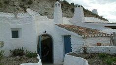Un concurso de ideas dará vida a un barrio de casas-cueva de Huéscar http://www.rural64.com/st/turismorural/Un-concurso-de-ideas-dara-vida-a-un-barrio-de-casas-cueva-de-Huescar-6016