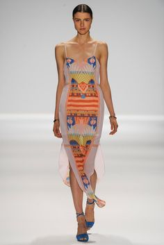 Trendy Beachwear for the Summer Mara Hoffman Spring 2014 Collection Discovred by : Azza Shesheny Ny Fashion Week, New York Fashion, Runway Fashion, Fashion Show, Womens Fashion, Fashion 2014, Boho Fashion, Fashion Beauty, Mara Hoffman