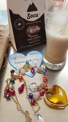 Aroma de cafe soka lleva la joyeria de giselle colombia jewelry.