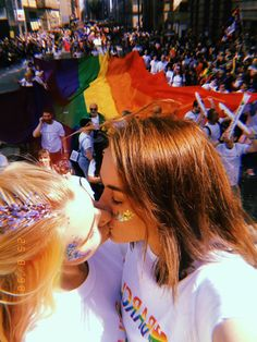 """""""I had so much fun at Manchester Pride today! Cute Lesbian Couples, Lesbian Pride, Lesbian Wedding, Lesbian Love, Cute Couples Goals, Couple Girls, Girls In Love, Gay Aesthetic, Couple Aesthetic"""