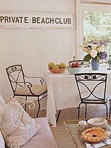 Where apple pie meets South Hamptons chic. #beach #shabbychic