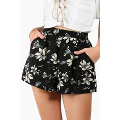 Flower Print Wide Leg Shorts (49 BRL) ❤ liked on Polyvore featuring shorts, midi shorts, floral print shorts, tie-dye shorts, white floral shorts and white shorts