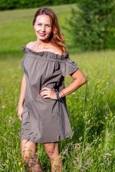 Cold Shoulder Dress, Dresses, Fashion, Woman, Fashion Styles, Vestidos, Moda, Dress, Fashion Illustrations