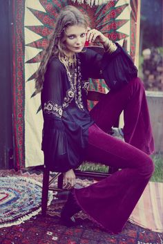 ╰☆╮Boho chic bohemian boho style hippy hippie chic bohème vibe gypsy fashion indie folk the . Hippie Style, Bohemian Gypsy, Gypsy Style, Bohemian People, 70s Fashion, Fashion Models, Vintage Fashion, Gypsy Fashion, Trendy Fashion