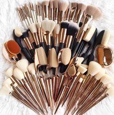 - my most beautiful makeup list Makeup Tool Box, Makeup Brush Set, Makeup Tools, Diy Makeup, Makeup Ideas, Eyeshadow Palette Uk, Eyeshadow Makeup, Makeup Cosmetics, Glitter Eyeshadow