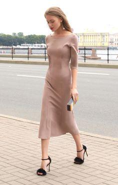Пудровое платье-годе с вырезом на спине TOP20 Studio / 2000001026502-3