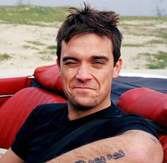 Looking good Robbie. S Williams, Robbie Williams, Leo Rising, Gary Barlow, The Power Of Music, Moment Of Silence, Pop Singers, Amai, Celebs