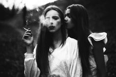 Image uploaded by Bela Casalá. Find images and videos about girl, fashion and cute on We Heart It - the app to get lost in what you love. Smoking Is Bad, People Smoking, Women Smoking, Girl Smoking, Smoking Kills, Erin Everly, Michelle Branch, Cigarette Girl, Cigarette Smoke