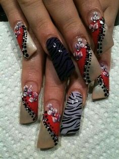 by - Nail Art Gallery by Nails Magazine Rawr! by - Nail Art Gallery by Nails Magazine Crazy Nail Art, Crazy Nails, Fancy Nails, Bling Nails, Swag Nails, Fabulous Nails, Gorgeous Nails, Pretty Nails, Duck Nails