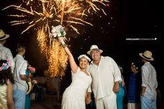 www.joaoclaudiofotografia.com wedding / casamentos /fotos de casamento / bride / bride / noivas / casamento niteroi / casamento rio de janeiro / ensaio casal / esession / pre wedding / ideias de casamento / casamento fogos / casamento praia