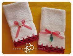 http://sandrapuntodecruz.blogspot.mx/2013/01/toallas-decoradas.html