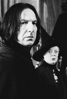 "2002 -- Alan Rickman as Professor Severus Snape and Maggie Smith as Professor Minerva McGonagall - I think this is from ""Harry Potter and the Chamber of Secrets Snape Harry Potter, Professor Severus Snape, Harry Potter Severus Snape, Severus Rogue, Harry Potter Love, Harry Potter Characters, Harry Potter World, Draco Malfoy, Hermione Granger"