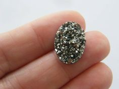 BULK 50 Dark silver resin druzy cabochon 18 x Raw Crystal Necklace, Jewellery Making Materials, Druzy Ring, Lead Free, Antique Silver, Resin, Chandelier, Pendants, Crystals