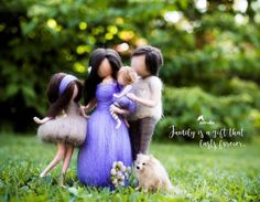 Mom of Two Daughters - Family Portrait Custom - Personalized Gifts - Mother Child art - Mother With Two Doughters Personalised Mother and daughter Family Sculpture, Felted Wool Crafts, Felt Crafts, Felt Angel, Fairy Gifts, Two Daughters, Felt Fairy, Fairy Dolls, Felt Dolls