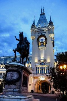 Culture Palace in Iasi, Romania; on my bucket list The Beautiful Country, Beautiful Places, Visit Romania, Romania Travel, Mall Of America, North America, Royal Caribbean Cruise, London Pubs, Famous Places