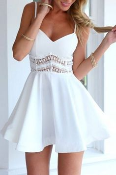 Moda Feminina : Favourite V Neck Lace Paneled Skater Dress