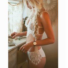 2016 Women Ladies Sexy Sheer Crochet Lingerie Lace Bra Set Underwear See Through Halter Bralette Strappy Bras And Panty Set Z2