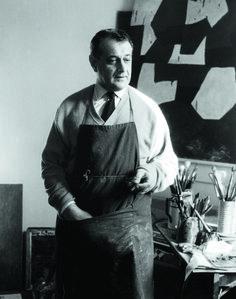 Serge Poliakoff dans son atelier Rue Dombasle, 1954. Photo Denise Colomb.