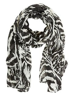 dots: Zebra Print Scarf Warm Outfits, Cute Outfits, Deep Winter Colors, How To Wear Scarves, Zebra Print, Body Shapes, Types Of Fashion Styles, Fashion Prints, Style Me