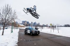 Extreme Snowmobiler Levi LaVallee Performs Insane Stunts All Over Saint Paul, Minnesota Vintage Sled, Snow Machine, Sports Car Wallpaper, Buy A Boat, Snow Fun, Beckham Jr, Ski And Snowboard, Winter Fun, Extreme Sports