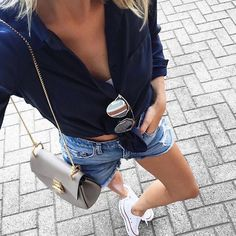 Classic white Converse all weekend long! Style Outfits, Casual Outfits, Summer Outfits, Cute Outfits, Fashion Outfits, Fashion Moda, Daily Fashion, Teen Fashion, Spring Summer Fashion