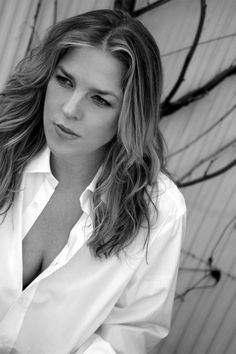 See Diana Krall pictures, photo shoots, and listen online to the latest music. Jazz Artists, Jazz Musicians, Music Artists, Diana Krall, Playlists, Star Wars, Smooth Jazz, Portraits, Jazz Blues